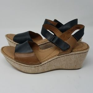 New w/o tags Born Leather Sandals